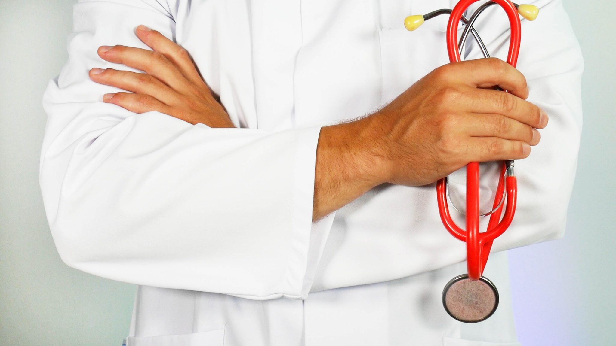 Addressing an American doctor with the right medical terms?