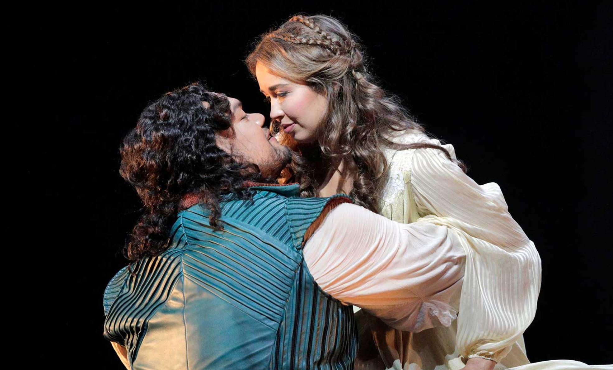 Romeo & Juliette opera Gounod