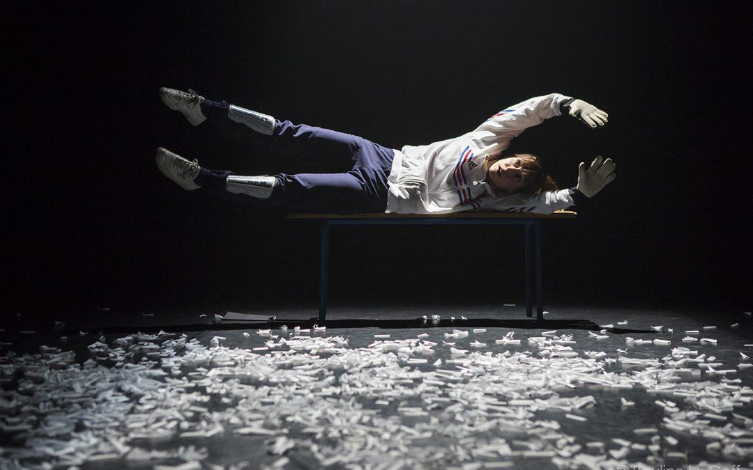 Play in French – Le Syndrome du Banc de Touche au Theatre du Lycee Français