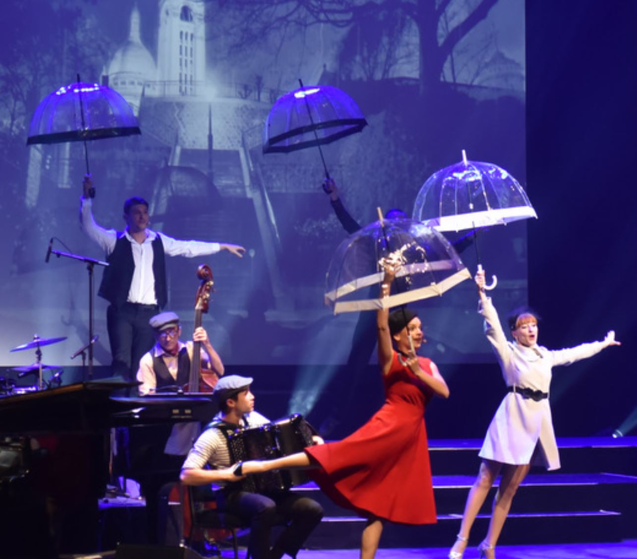 ParisWeek – Paris! Le Spectacle avec Anne Carrere