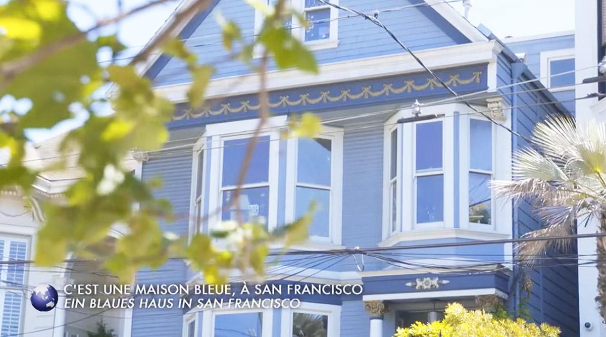C'est une maison bleue… belle et bien à vendre ! Tous les détails