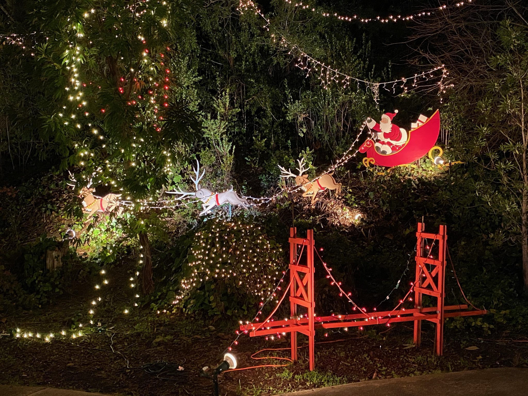 Holiday Decorated Houses in San Francisco Bay Area: Where to Find Them